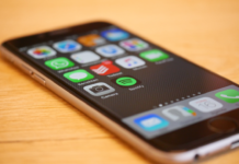 rocketone-media-buying-capabilities-smartphone